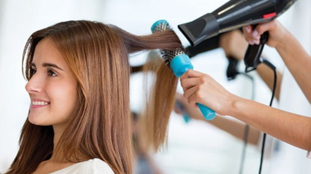 Cách sử dụng máy sấy tóc deliya tạo kiểu xinh xắn, bền hơn