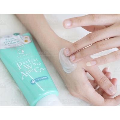 Sữa rửa mặt Senka Perfect Whip Acne Care - dành cho da mụn