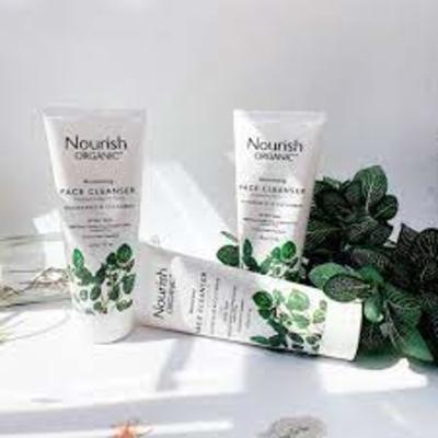 Sữa rửa mặt Nourish Organic Moisturizing Face Cleanser