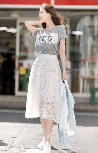 chân váy dài kết hợp với áo phông