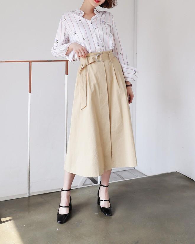 chân váy xòe dài nên mặc với áo gì